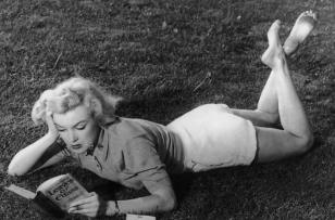 Marilyn Monroe reading Leaves of Grass, 1951. By Dave Cicero